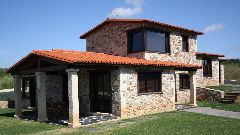 Construcciones r sticas gallegas en el campo - Casas de piedra gallegas ...