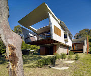 House at Depot Beach, New South Wales, by Peter Stutchbury Architecture
