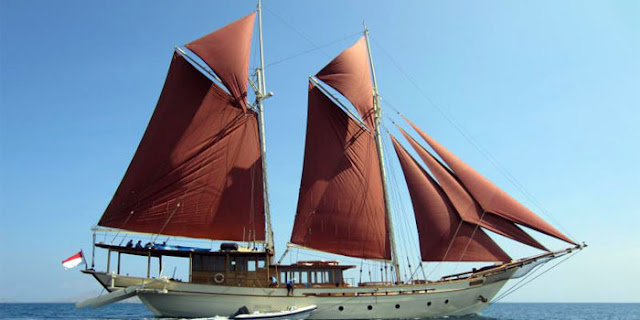 Gambar Kapal Layar Pinisi Kebanggaan Indonesia