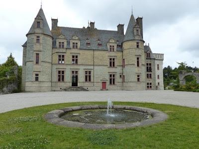 Le château de Cherbourg sert de décor à Marguerite et Julien, film de Valérie Donzelli (2015)