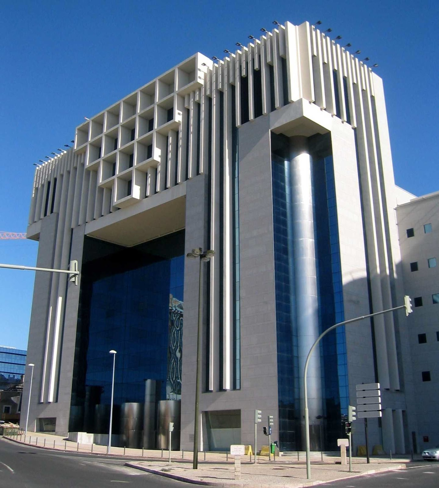 Edifício Amoreiras C. Barreto