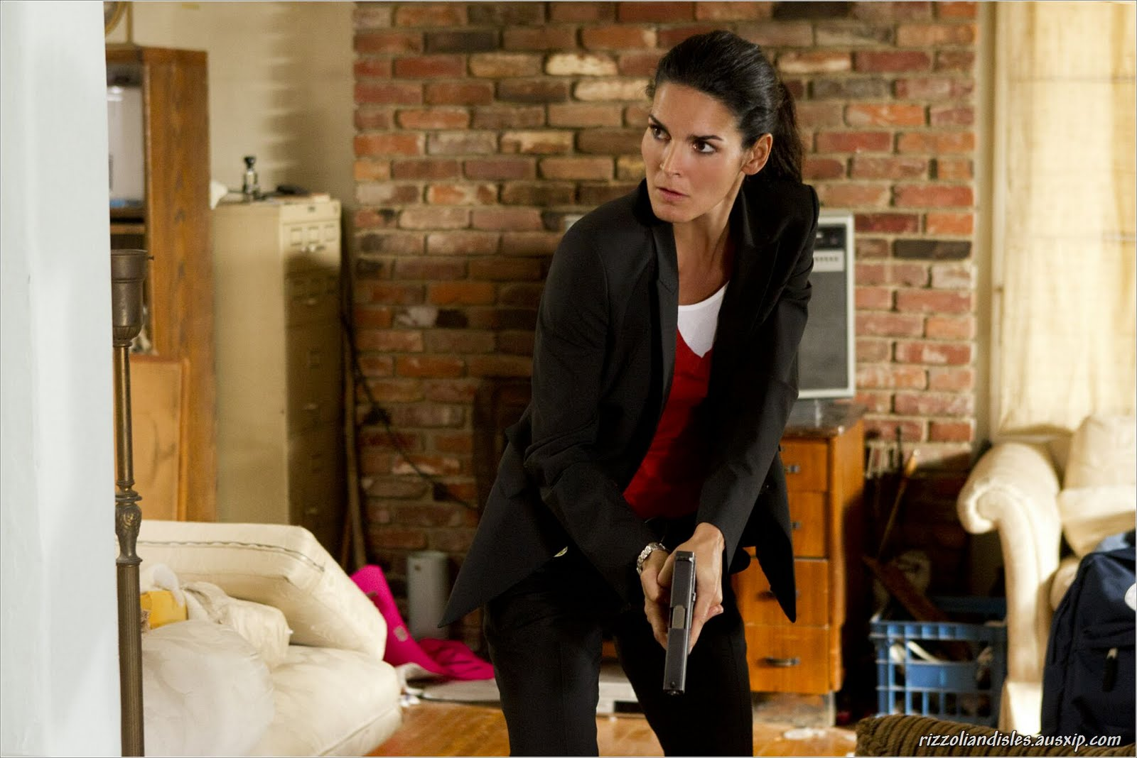 Angie harmon smoking car tuning - Absolutely Angie A Fan Site With News Photos And Commentary Related To Rizzoli Isles Star Angie Harmon