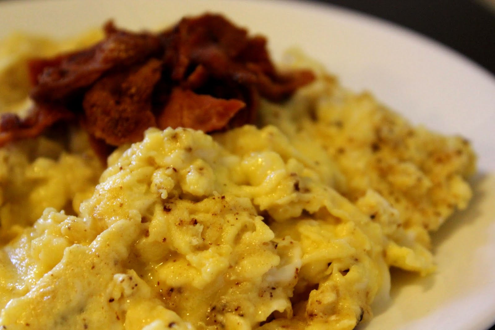 Everything in the Kitchen Sink: Exam Week Bacon Scrambled Eggs