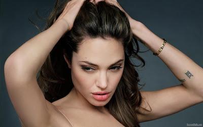 http://1.bp.blogspot.com/-3ATUFzB11Uc/TgNJczyxkwI/AAAAAAAAA1s/K7dKpQRkCyc/s400/angelina-jolie-001-1280-663214.jpeg