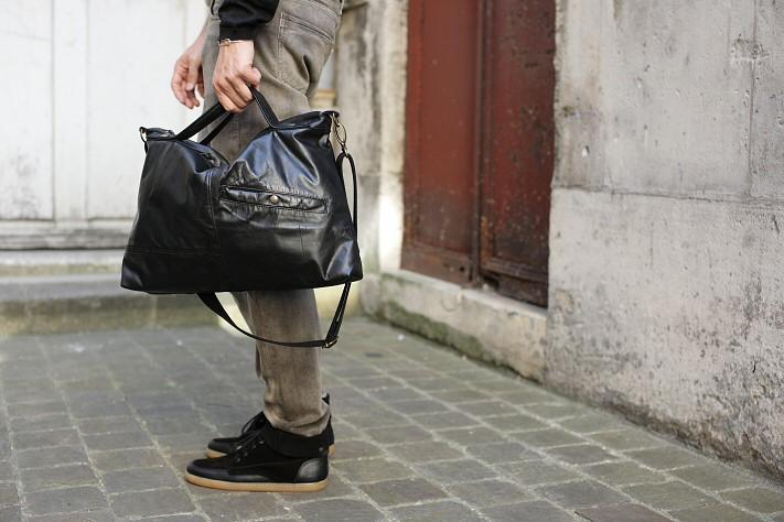 Besace Homme en cuir noir vintage - sac Romain
