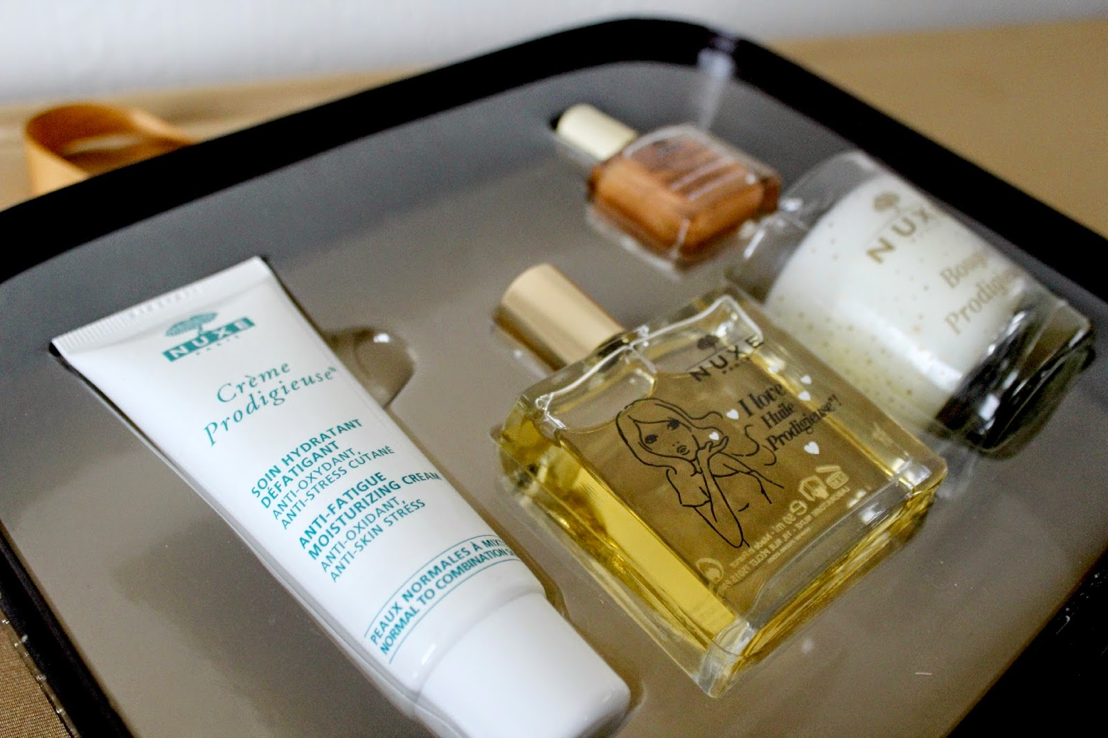Lookfantastic-nuxe-gift-set