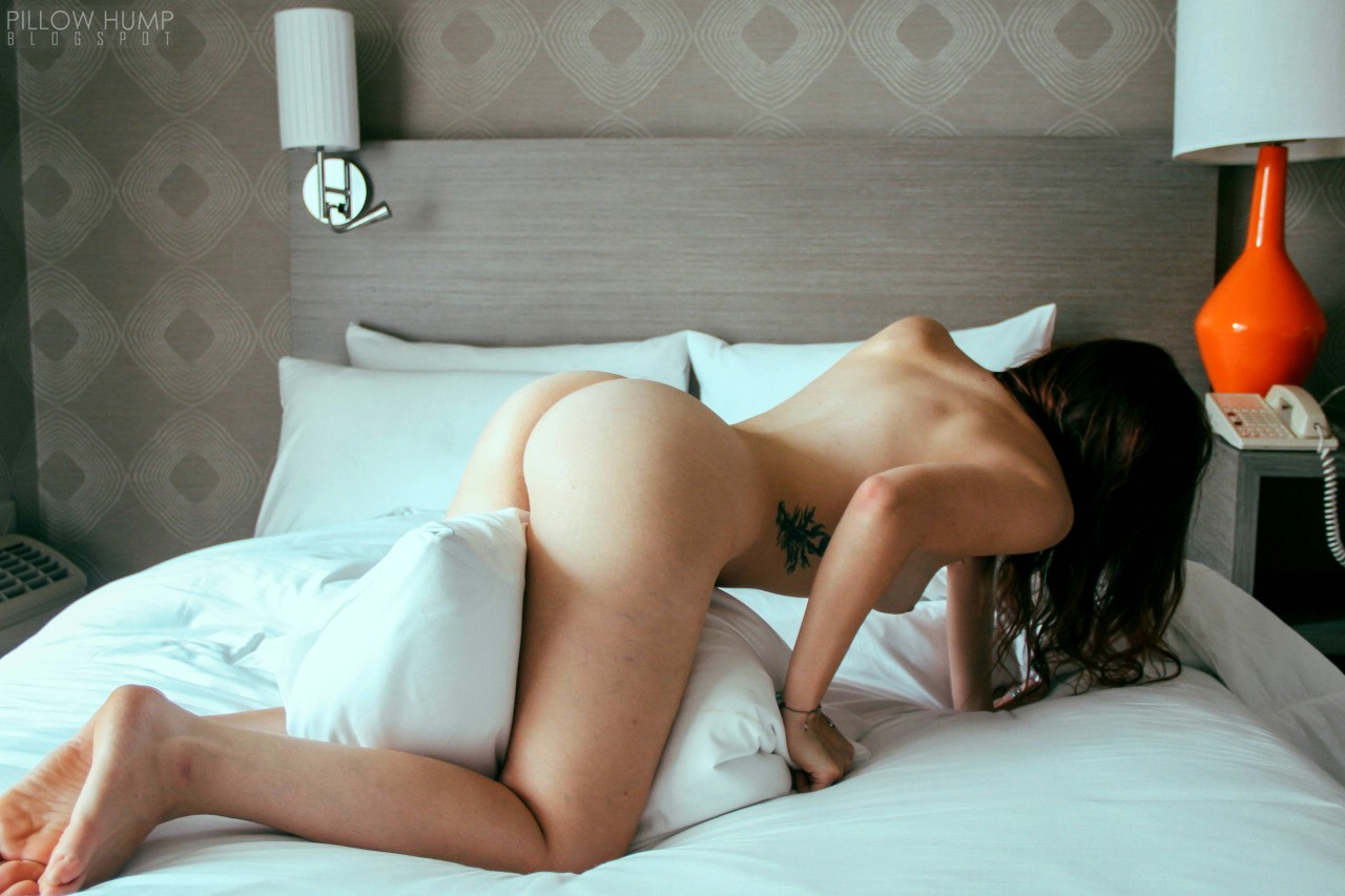 Really fucking hot girl humping pillow