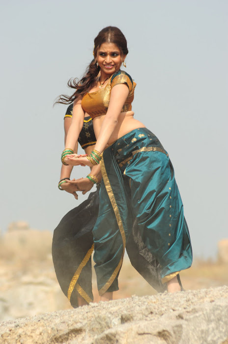 sheena shahabadi new song cute stills