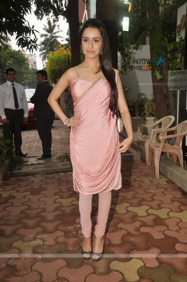 Shraddha Kapoor At 'Emralds For Elephant' Jewellery Launch