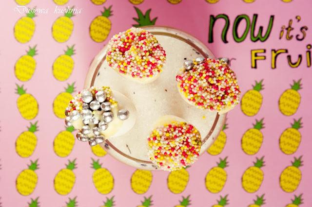 pianki marshmallow, pianki w czekoladzie, kolorowe pianki, pianki dla dzieci