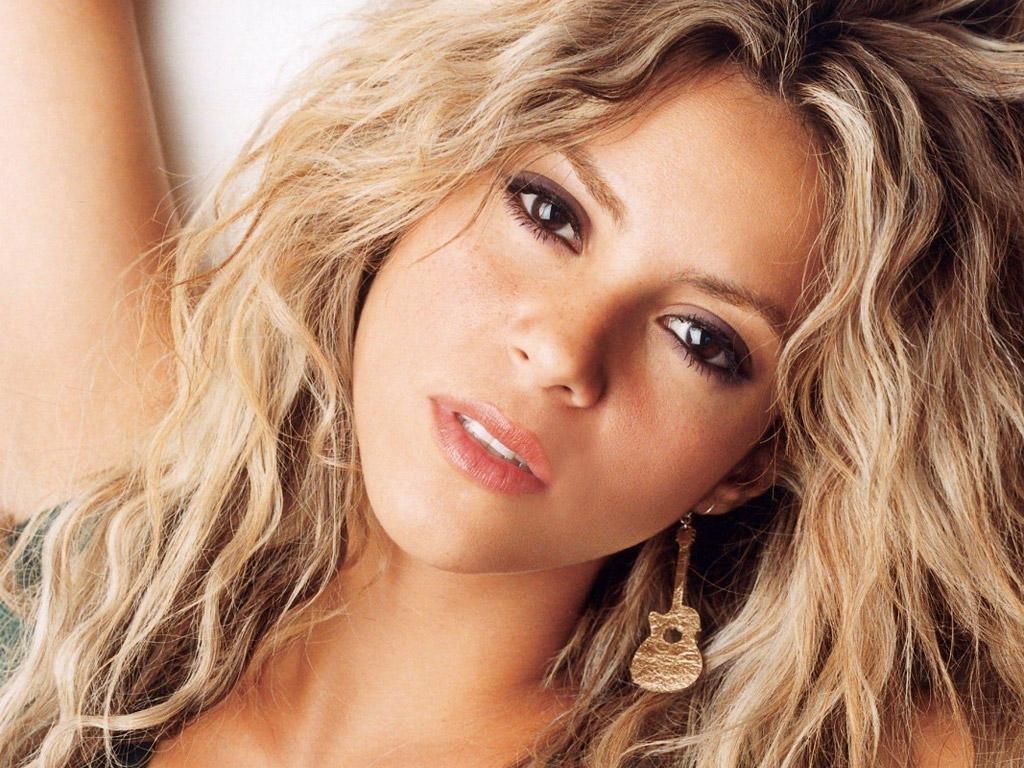 http://1.bp.blogspot.com/-3Ar9ctJWO4g/T9IY67MivMI/AAAAAAAABp4/MK4VCaz1KpU/s1600/Shakira+wallpapers+5.jpg