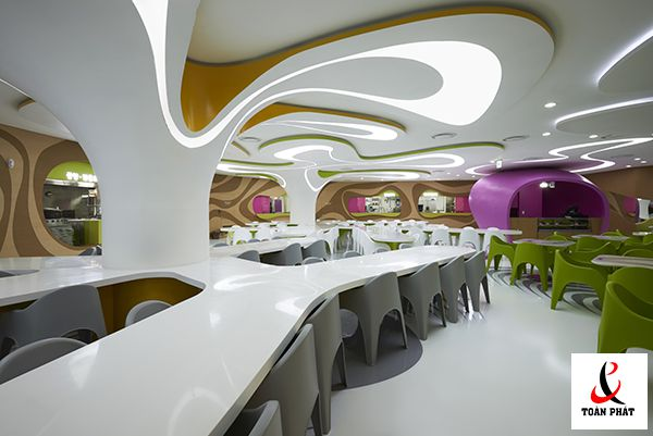 Có nên sử dụng trần xuyên sáng trong thiết kế trần nhà 3