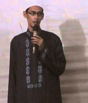 Ustad Nur Fadillah Yusuf alias Ustad Tile