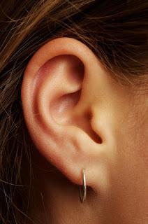 Bουλωμένο αυτί γιατροσόφια