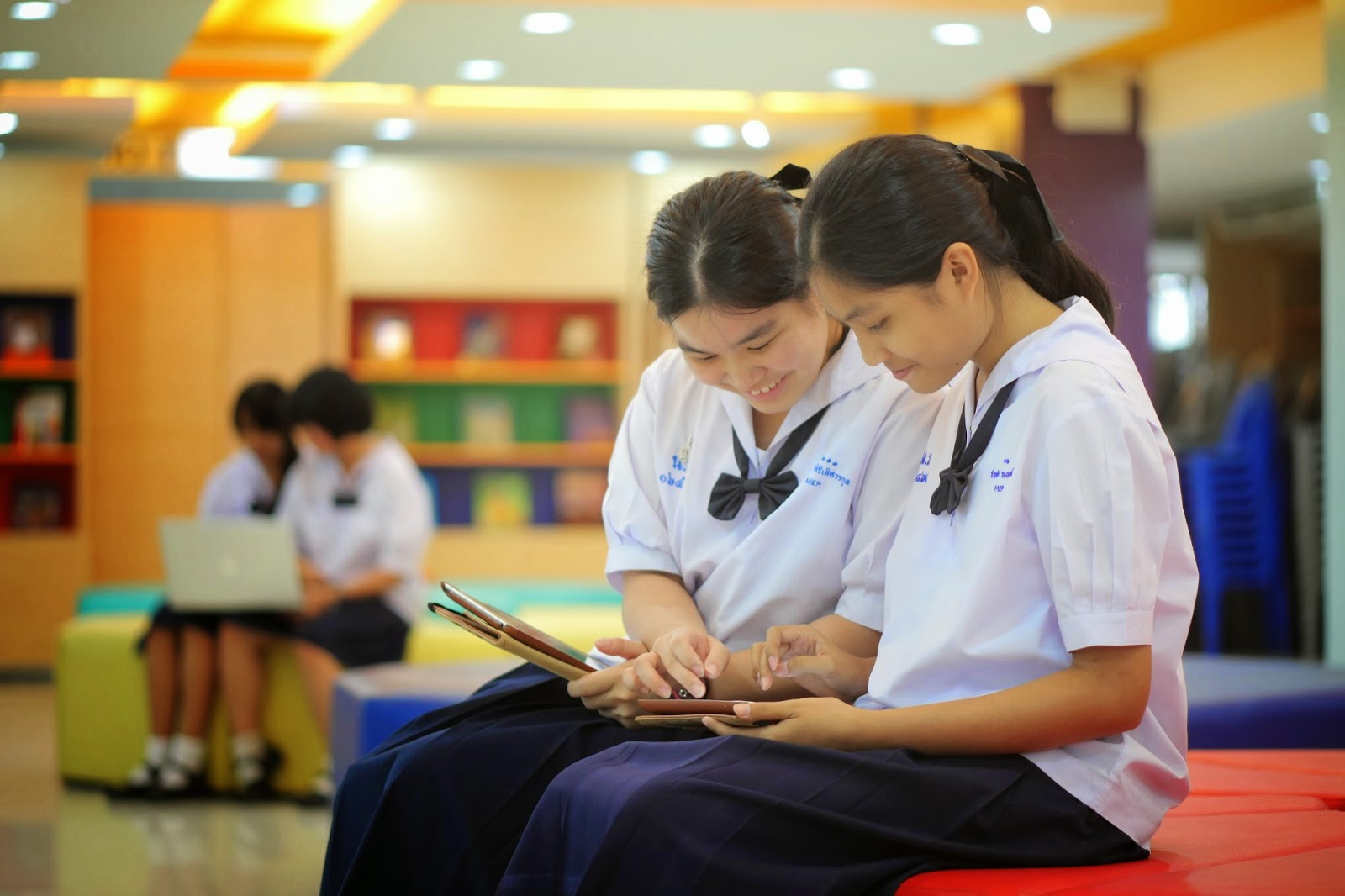 thailand education Thailand has a 6-3-3 formal education structure that has been in place since 2008 primary school has an official entry age of six and a duration of six grades.