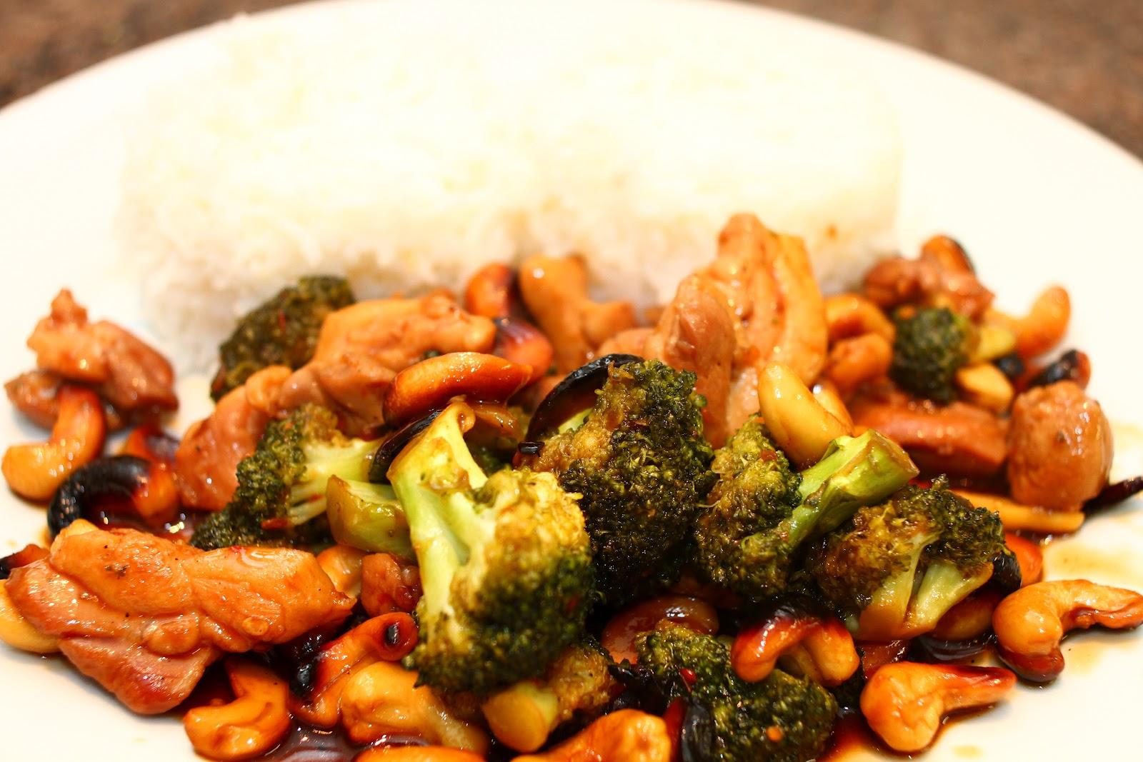 Everybody Cooks!: Cashew Chicken with Broccoli.