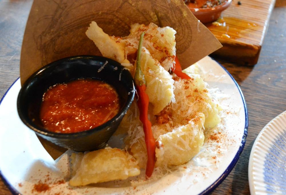 Jamie's Italian Glasgow crispy nachos