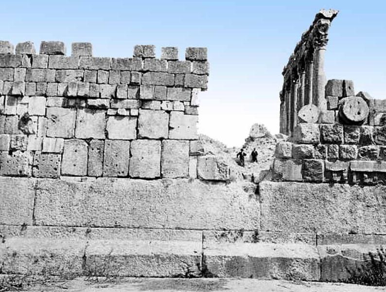 batu kuil baalbeck