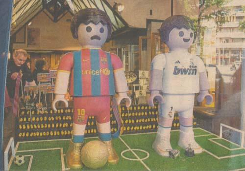 Messi y Ronaldo de chocolate mona de pascua