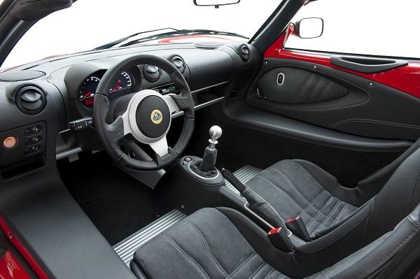 Lotus presentó los nuevos Elise Sport y Sport 220