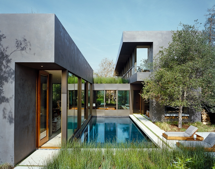 Vienna Way Home by Marmol Radziner at day