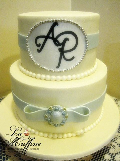 La Muffine: Elegance 2 tier Wedding cake
