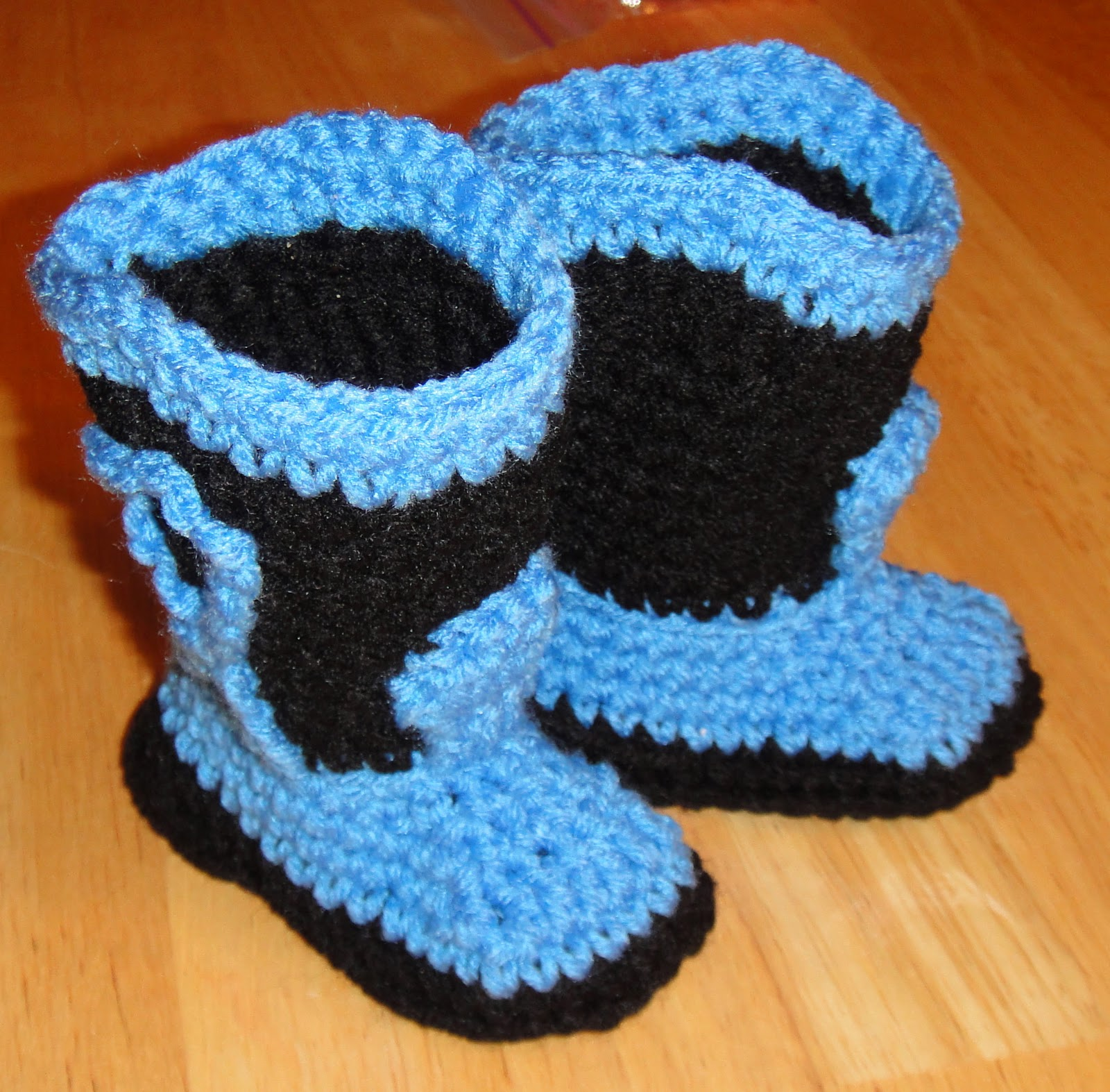 Free Crochet Patterns For Baby Girl Bonnets : Heathers Craft Corner: Crochet Baby Cowboy Boots