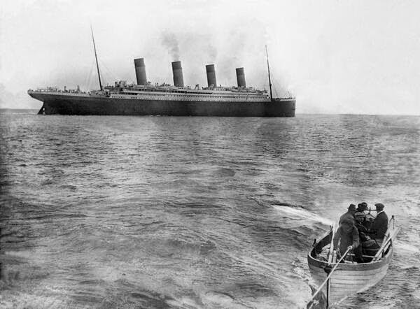 64 Historical Pictures you most likely haven't seen before. # 8 is a bit disturbing! - The last picture of Titanic taken before sinking, 1912