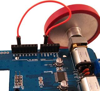 Hubungkan pin A5 ke GND sebagai pengganti jumper PGM