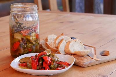 http://1.bp.blogspot.com/-3CgSU2320YI/VCHGWrRTdgI/AAAAAAAAGww/mbbR5S3QdSQ/s1600/marinated-veg-2-small.jpg