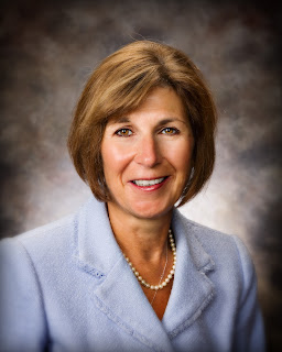 Montgomery Catholic's Anne Ceasar Named 2012 AAFLT Outstanding Administrator 1