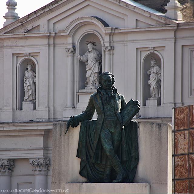 Estatua de Goya, Zaragoza