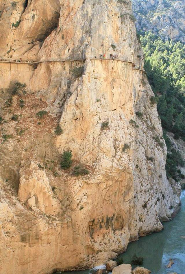 ElCaminoDelRey 003 - The Most Dangerous Path in the World