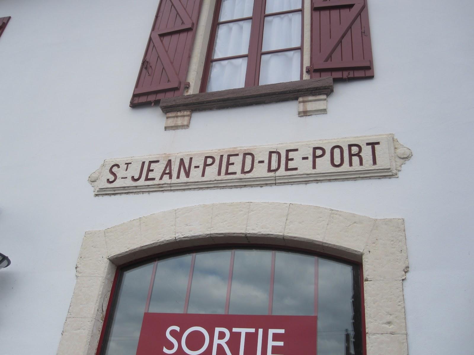 At v re forvirret anno det 21 rhundred s dan kommer du til st jean pied de port i frankrig - Hostel st jean pied de port ...