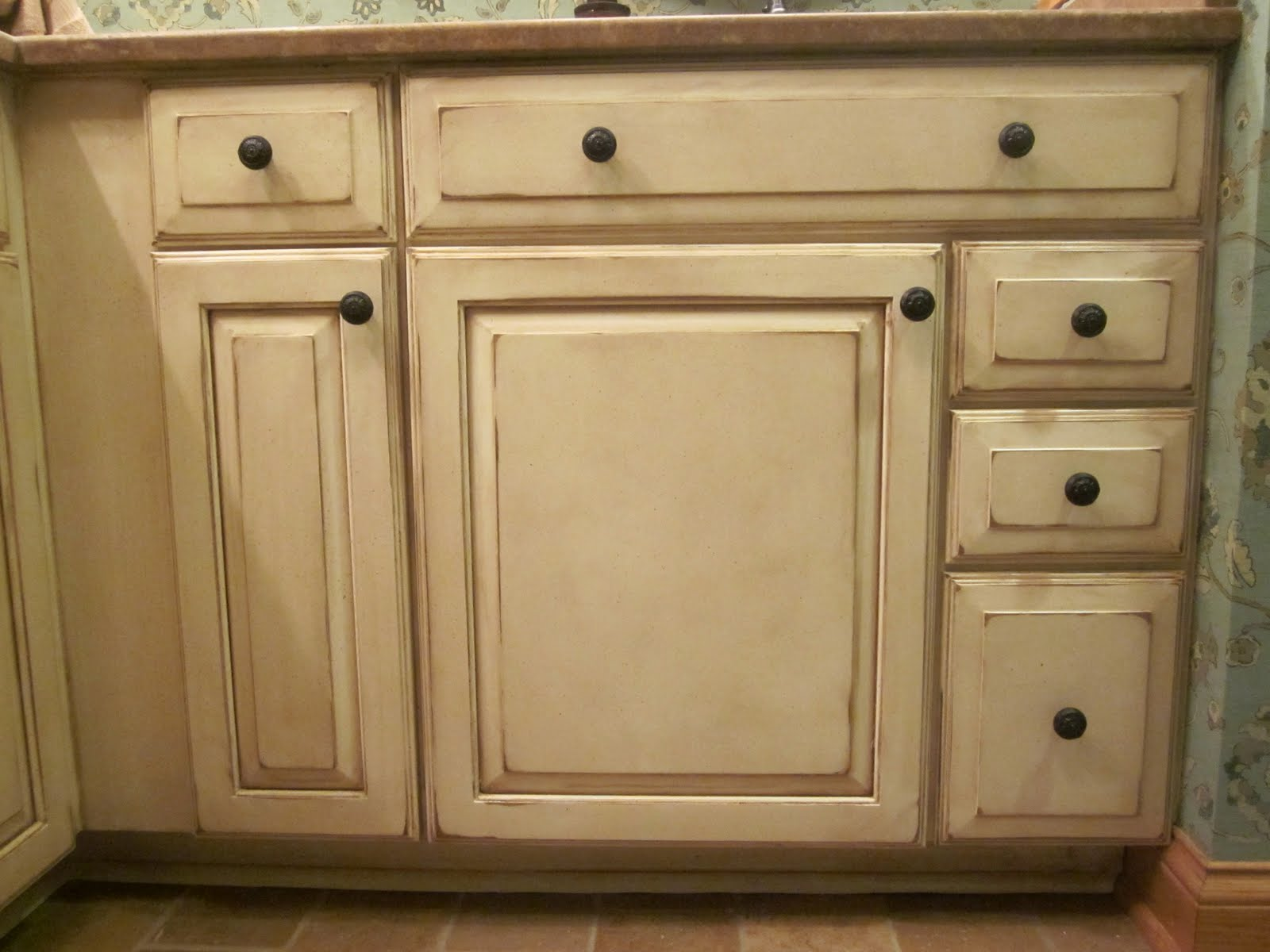 Dixon specialty finishes llc louisville faux hand painted cabinets before and after - How to glaze kitchen cabinets cream ...