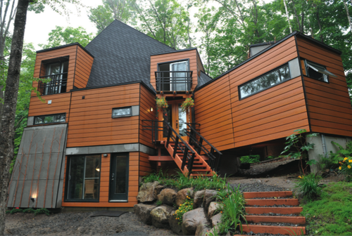 Cargo container home in Quebec, Canada