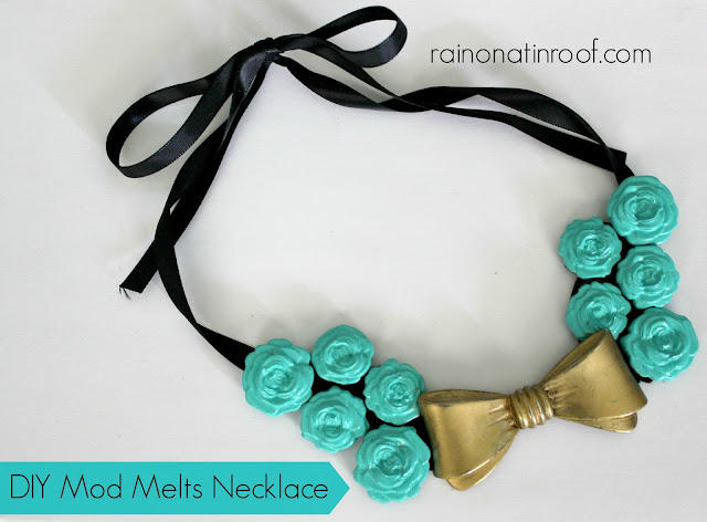 DIY Mod Melts Necklace {rainonatinroof.com} #DIY #necklace #modmelts