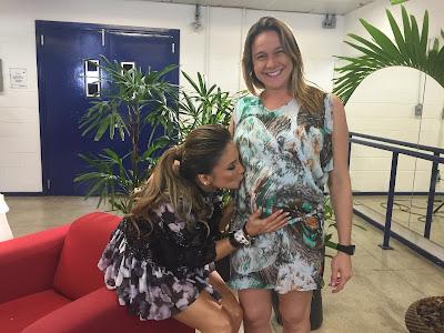 Fernanda Gentil entrevista Claudia Leitte para o 'Mamãe Gentil'.Crédito: Globo/Luma Dantas