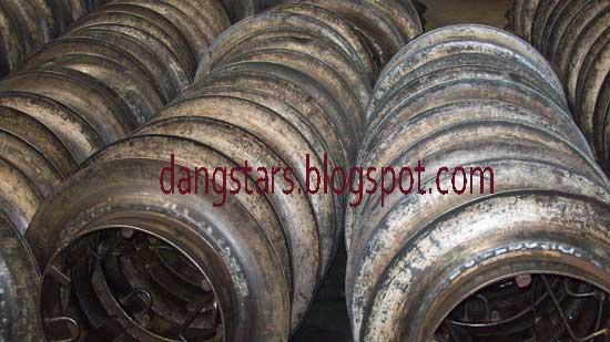 http://1.bp.blogspot.com/-3Dt82KYsf3M/UG7hlkF2tLI/AAAAAAAAG_Q/gbynVleGgKc/s1600/Bongkar-Velg-Vulkanisir.jpg