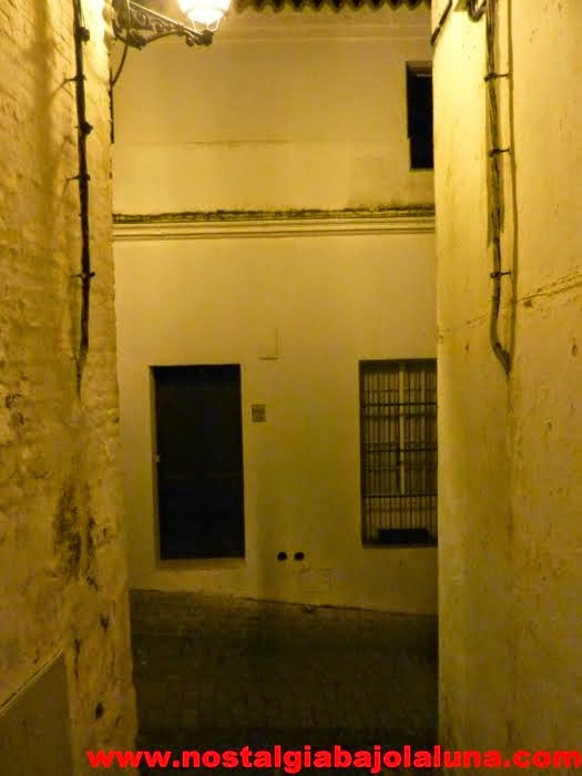 UNA CALLE DE ARCOS