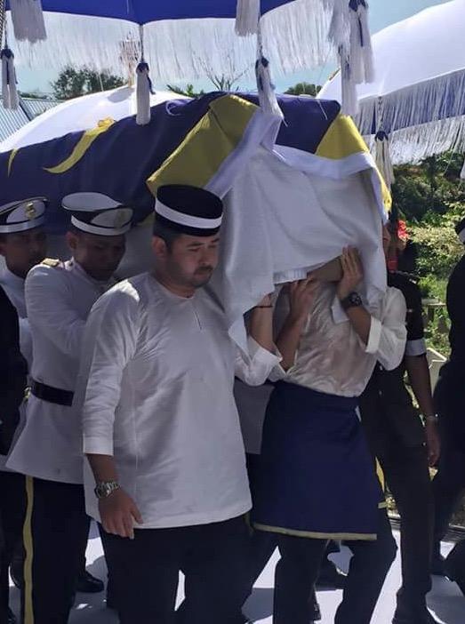 Awan Aneh Muncul Saat Almarhum Tunku Abdul Jalil Dimakamkan