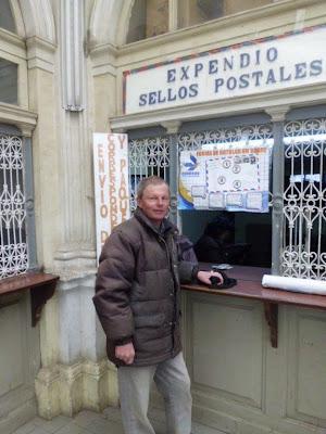 Missionare sind gute Kunden beim Postamt