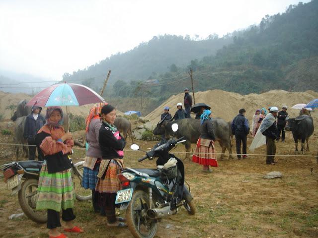 Marchés des minorités de la province de Lao Cai - Photo Mong Hong