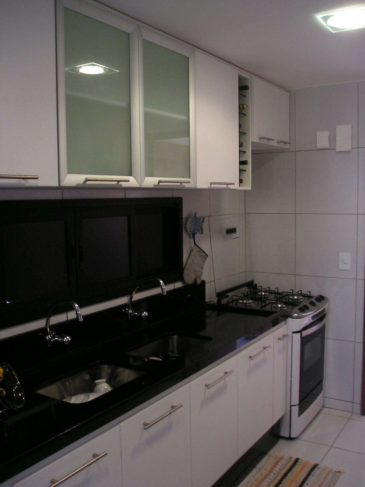 Projeto de Ambientação para Cozinha (2006). #776A55 1200 1600