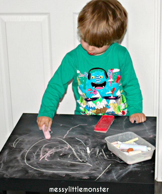 simple diy chalkboard table for mark making