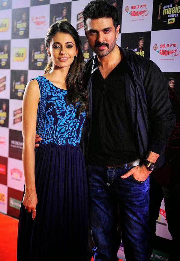 Ayesha Khanna and Harman Baweja at Mirchi Music Awards 2014