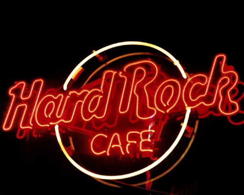 a marketing analysis for hard rock cafe Answer to case study: hard rock cafe: operations management in service in its 39 years of existence, hard rock has grown from a mo.