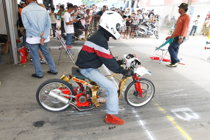 Balap Motor Drag Bikes Matic di Indonesia