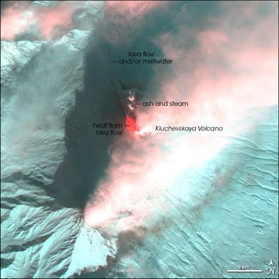 Volcán Klyuchevskaya en erupción, 16 de Octubre 2012