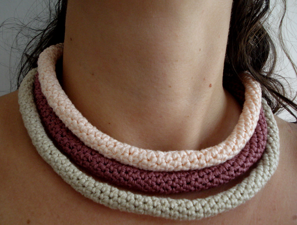 Crocheting Necklaces : Little Treasures: Crochet tube necklaces